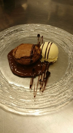 Brownie de Chocolate con Helado